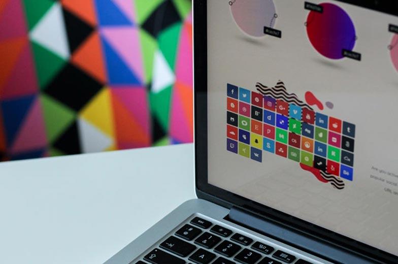 Gestión de las redes sociales del despacho, mejor externa